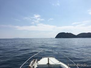 fishing-by-ship-001